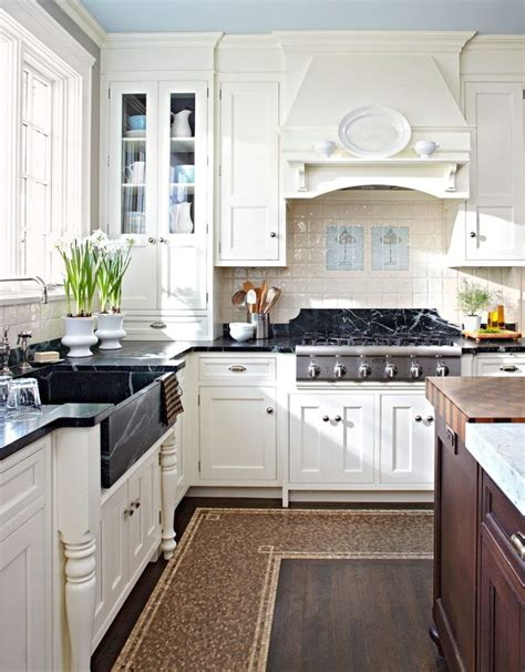 lighting cabinets kitchen family friendly kitchens traditional home home kitchen 7063