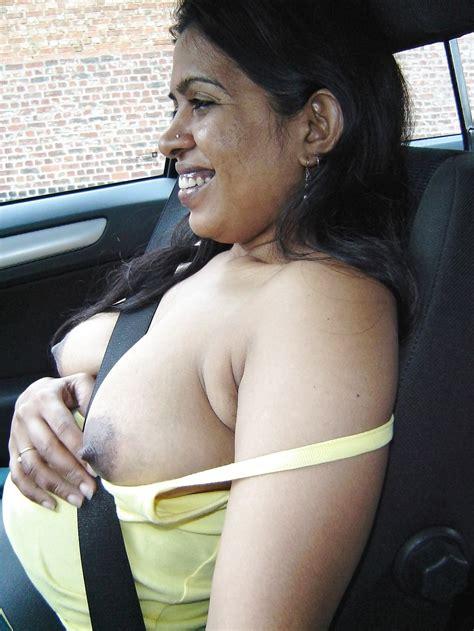 Desi Indian Milf Loves Exposing Herself Outdoors 2 8