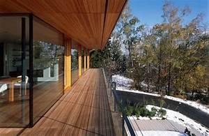 Holz Für Balkonboden : modernes haus mit raumhoher verglasung rusitkales holz balkon boden verlegen ~ Markanthonyermac.com Haus und Dekorationen