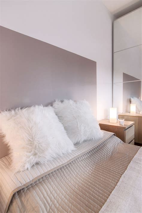 chambre lit blanc chambre cocooning taupe beige et blanc chambre cosy tete