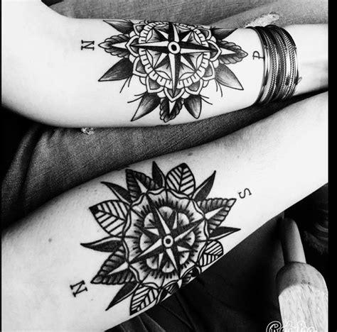 epingle par andrew hentzien sur tatouage mandala rose des