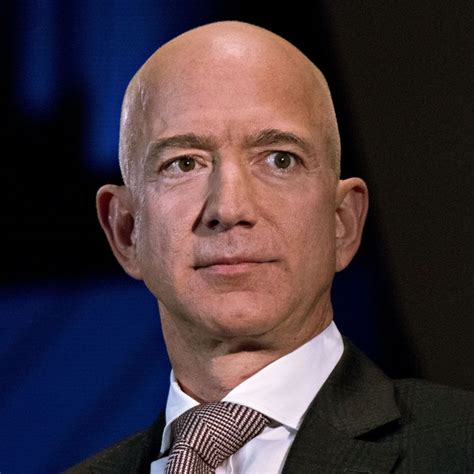 Jeff Bezos Thwarts Extortion Attempt in Personal Blog Post