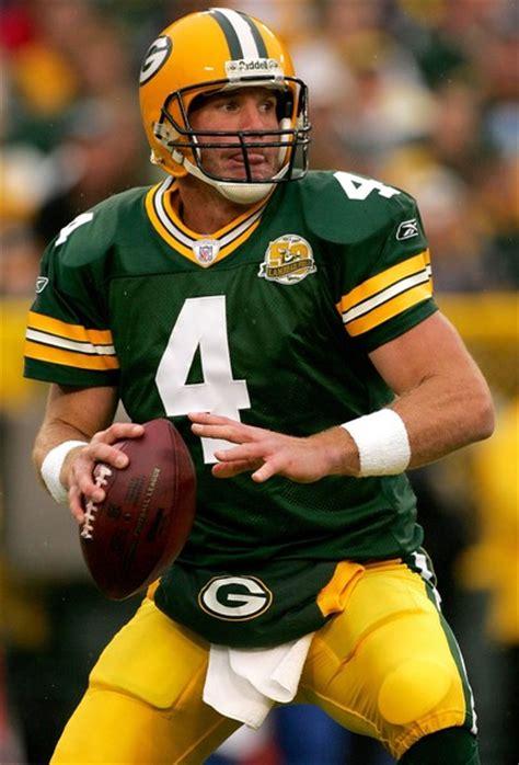 Packers To Retire No 4 Enshrine Brett Favre Into Team