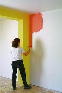 Wände Streichen Farbe : richtig streichen maltechniken ~ Markanthonyermac.com Haus und Dekorationen