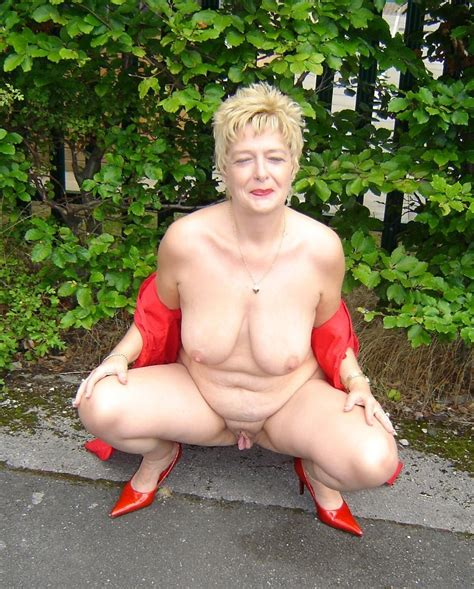 Naked Mature Women Outdoor Sex