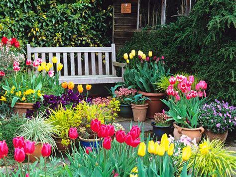 all season garden plan garden planning for all seasons hgtv