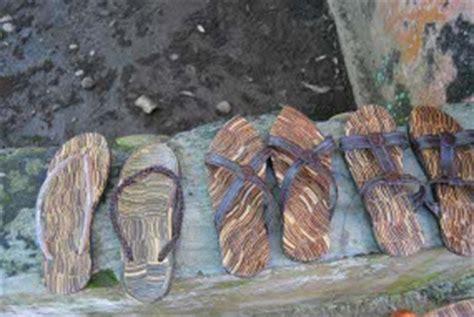 jeli memetik bisnis sandal  limbah kelapa astry craft