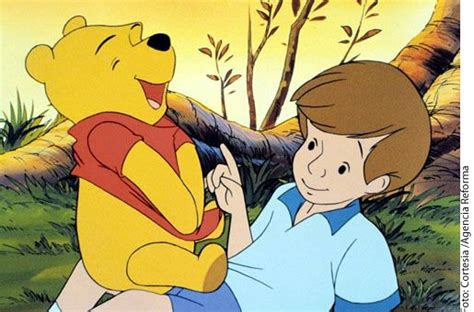 Revelan que Winnie Pooh ¡es hembra!