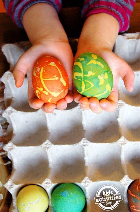 hot glue  easter eggs
