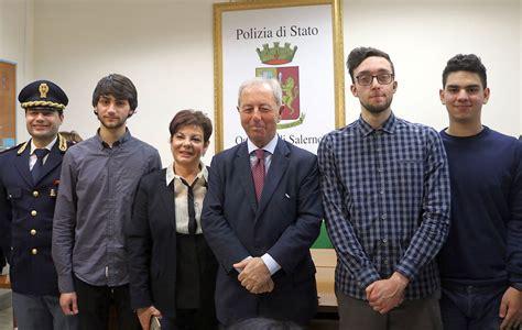 Questura Di Salerno Ufficio Passaporti - galleria fotografica consegna tre defibrillatori dal