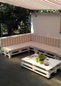 terrassenmobel europaletten robust sofa tisch sonnenschutz With markise balkon mit poster tapete selbst gestalten