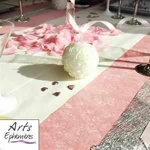 Chemin De Table Rose Pale : 1000 images about table de mariage rose et argent on ~ Teatrodelosmanantiales.com Idées de Décoration