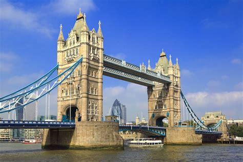 7 Most Famous Landmarks In England