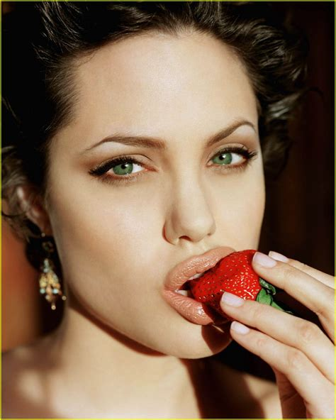 Plumping Your Pout: Tricks and Tips for Sensuous and Sexy