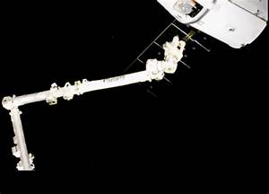 SpaceX Dragon Arrives at the International Space Station ...