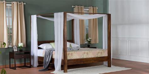 letti a baldacchino in legno letti baldacchino camere letto vintage e industrial etnico