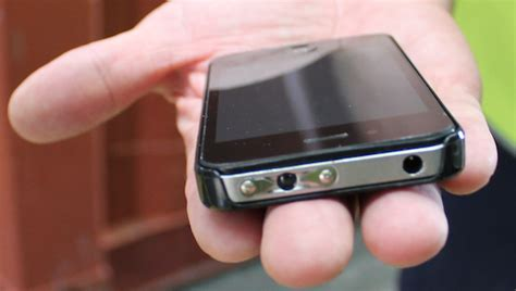 iphone taser shocking new iphone is also bzzzzt a taser like