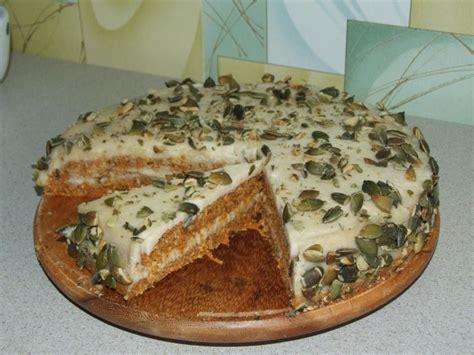Receptes.lv - Revolucionarā burkānu kūka