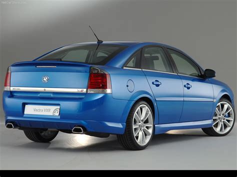 Vauxhall Vectra Vxr Picture 14 Of 31 Rear Angle My