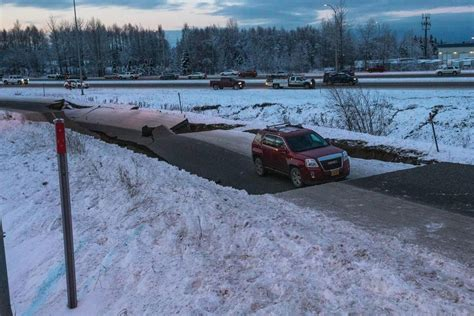 Times are local (pst or pdt). 7.0 earthquake strikes near Anchorage, Alaska, heavy damage reported - UPDATE - Over 7,800 ...