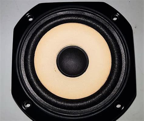 Foam Vieta PR77 Mid - DecibelAudio