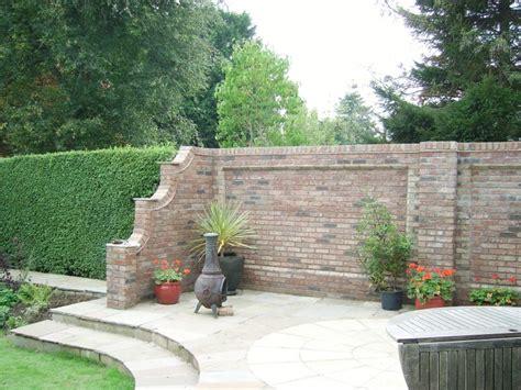 Mauer Im Garten Gartenmauer Aus Ziegelsteinen Selber Bauen Anleitung