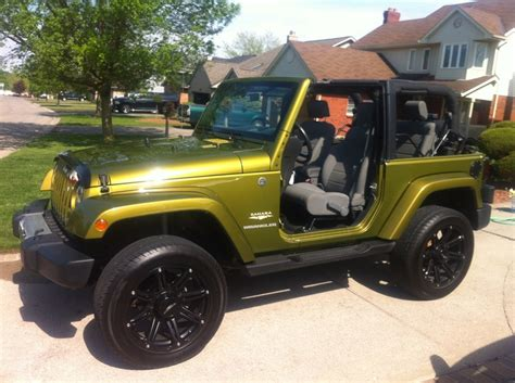 jeep rescue green rescue green 08 sahara on 20 39 s jeep wrangler