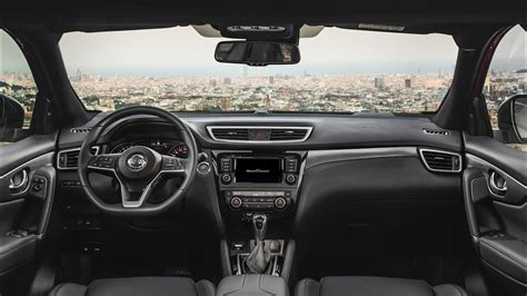 nissan qashqai  engine interior features