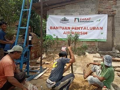 Darussalam Salurkan Bersih Zakat Ribu Liter Bojong