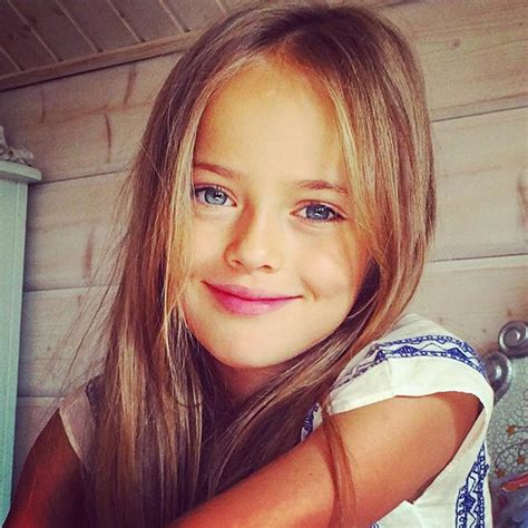 """Considerada """"a Mais Bonita Do Mundo"""", Menina De 8 Anos"""
