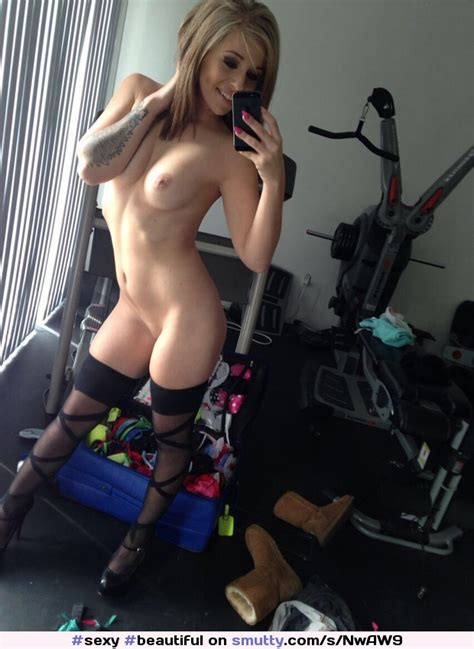 Sexy Beautiful Gorgeous Blonde Amateur Nude Selfie
