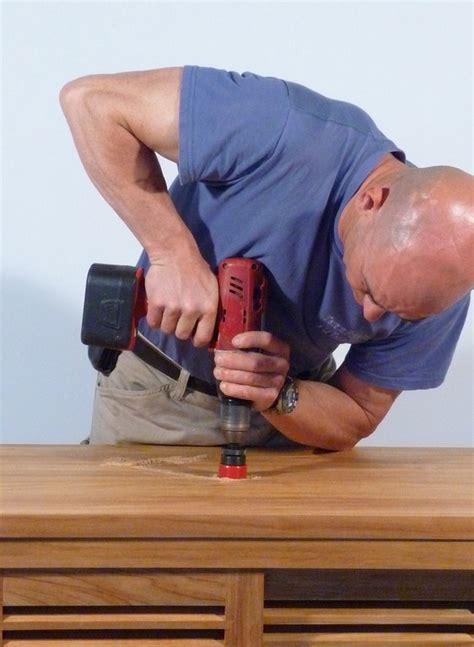 comment poser une vasque et couper les pieds d un meuble sdb rue de siam