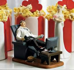 figurine mariage originale hilarious wedding cake toppers i like to waste my time