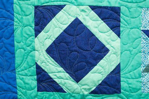 lattice square quilt block video tutorial favequiltscom