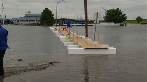 Big Kahuna Boat Joe Pool Lake by Eatery Sues Peaks In Waco Dallas News