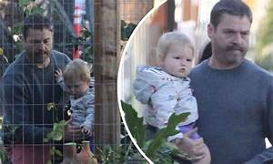 Zach Galifianakis takes one-year-old son Rufus to do some ...