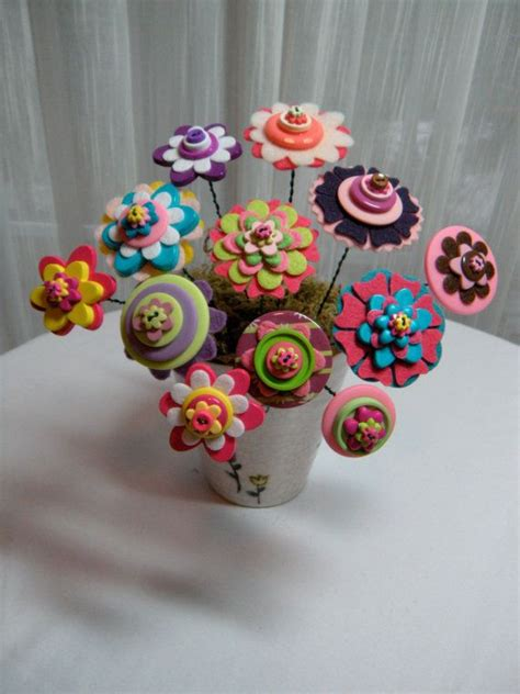 craft ideas using buttons button flower bouquet button flowers whimsical and felting 3945