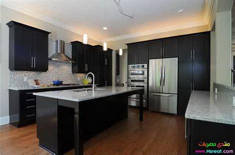hardwood floor kitchen مطابخ باللون الاسود في رمادي حديثة مميزة وديكوات جديدة وعصرية 1574