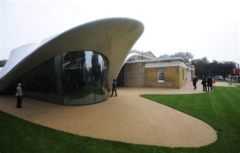 Zaha Hadid Die Koenigin Der Architektur by Architektur Das Schwungvolle Verm 228 Chtnis Zaha Hadid