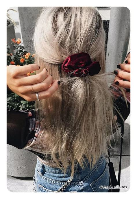 90s Hairstyles Scrunchies by 60 Epic 90 S Hairstyles That Are Now A Comeback