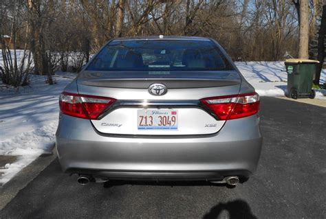 road test review  toyota camry xse
