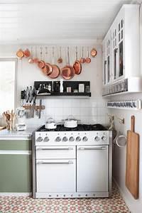 Küche Vintage Style : bodenfliesen au ergew hnliche wohnideen bei couch ~ A.2002-acura-tl-radio.info Haus und Dekorationen