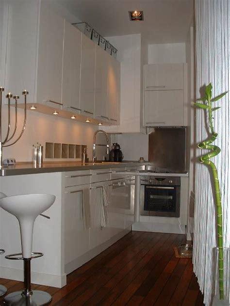 cuisine pour appartement cuisine mobalpa dans un petit appartement esprit loft