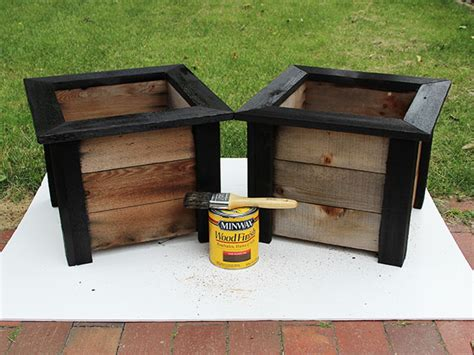 give  weathered planter  fresh facelift  tos diy