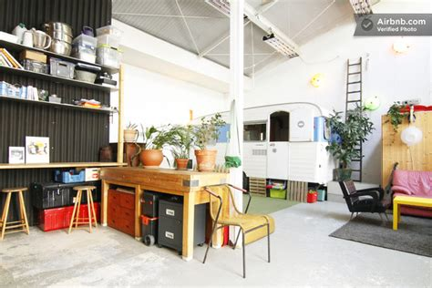 bureau d artiste loft atypique à louer un atelier d artiste avec une
