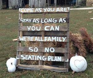 26 Pallet Signs & Ideas for Weddings - Snappy Pixels