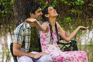 30 Beautiful Examples of Couple in the Rain Photography