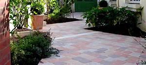Créer une jolie terrasse avec des pavés en pierre reconstituée Amenager ma Maison