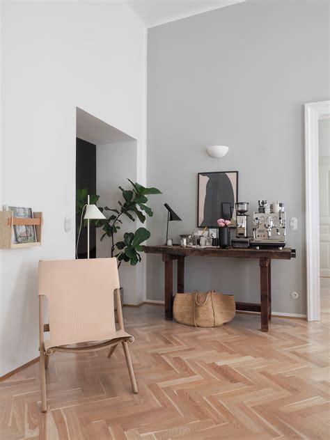 bylassen saxe chair     lakes und   home