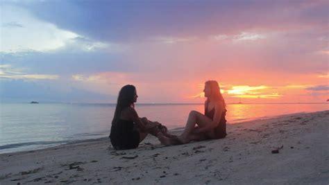 girls sit   sea  beautiful girls sitting